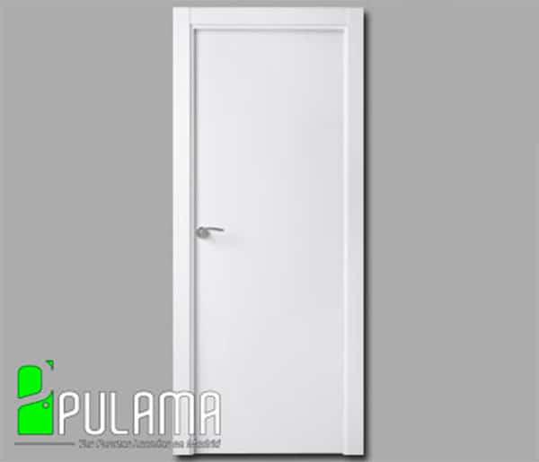 Puerta lacada ciega de madera maciza modelo Alcobendas